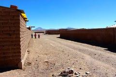 Scherzt von der Schule in atacama Sans Pedro De nach Hause gehen Stockfoto