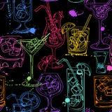 Schets naadloos patroon van cocktails Stock Fotografie