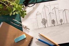 schets van architectuur op het bureau royalty-vrije stock afbeeldingen