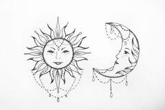 Schets van de zon en de maan witte achtergrond royalty-vrije stock foto's