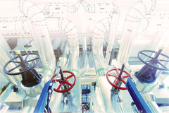 Schets van leidingenontwerp aan industriële materiaalfoto die wordt gemengd royalty-vrije stock afbeeldingen