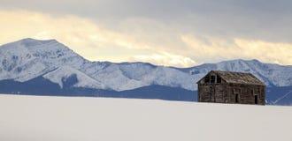 Scheune mit einer Ansicht - Landschaft Lizenzfreies Stockfoto