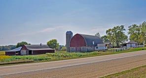 Scheune und Haus nahe Madison, Wisconsin Stockfoto