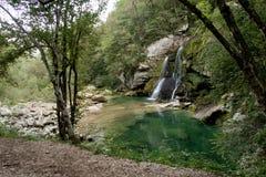 Schiaffo Virje - una cascata vicino a Bovec in Julian Alps Immagini Stock