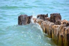 Schianto delle onde Immagini Stock Libere da Diritti