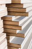 Schicht industrielles Sperrholz in der Baustelle Lizenzfreie Stockbilder