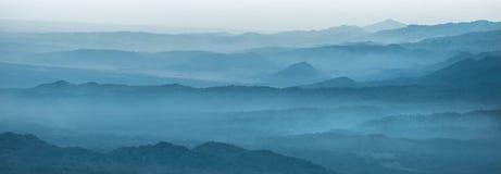 Schichten des Berges lizenzfreie stockfotografie