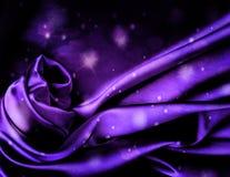 Schicker violetter silk Hintergrund. Lizenzfreie Stockfotos