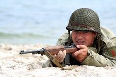 Schießender amerikanischer Soldat Stockfotos