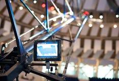 Schieben des Metallhahns für Videodreh Lizenzfreies Stockfoto