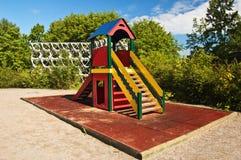 Schieben Sie auf Kindspielplatz Stockbilder