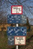 Schieber-und Hydrant-Zeichen Stockfotos