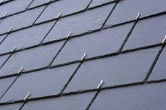 Schiefer auf einem Dach Lizenzfreie Stockbilder