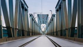 Schiene auf der Brücke Lizenzfreies Stockbild