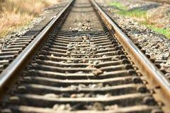 Schiene der doppelten Bahn ist es eine Standardeisenbahnlinie stockfotos