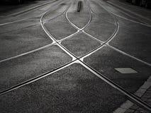 Schienenüberfahrt der Straßenbahn Lizenzfreie Stockfotos