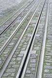 Schienen auf Stadt Lizenzfreie Stockfotos