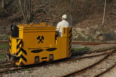 Schienen-Auto der historischen Eisenerzmine Stockfotos