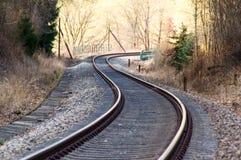 Schienen der Bahn machen Kurven Stockfotografie