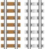 Schienen mit den konkreten und hölzernen Lagerschwellen Lizenzfreie Stockbilder
