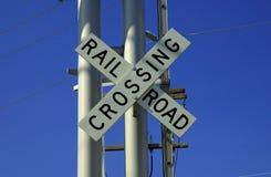 Schienen-Straßen-Überfahrt Lizenzfreie Stockbilder