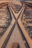 Schienen und Lagerschwellen stockfoto
