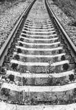 Schienen und Lagerschwellen lizenzfreies stockfoto