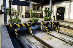 Schienenstopper in Sao bento, Porto stockfotos