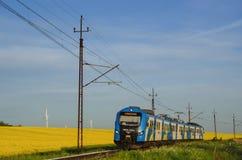 Schienentransport - Personenzug Stockfoto