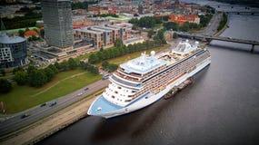 Schiff auf Hafen Stockfotografie