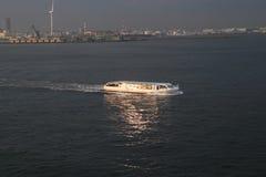 Schiff bei dem Transport Lizenzfreie Stockfotos