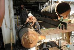 Schiff, das Bangladesch einläuft Stockfotos