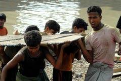 Schiff, das Bangladesch einläuft Stockbilder