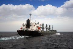 Schiff der gemischten Ladung Stockfotos