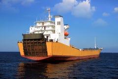 Schiff der gemischten Ladung verankert in Alicante-Bucht lizenzfreies stockbild