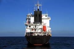 Schiff der gemischten Ladung verankert in Alicante-Bucht stockbild