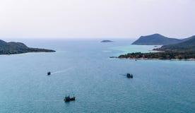 Schiff drei auf Meer Lizenzfreie Stockfotos