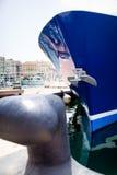 Schiff festgemacht auf Pier Lizenzfreie Stockfotos