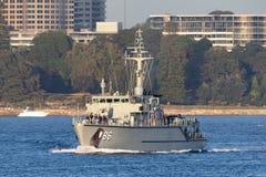 Schiff HMAS Diamantina M 86 Huon Class Minehunter Coastal der k?niglichen australischen Marine in Sydney Harbor lizenzfreies stockbild