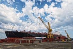 Schiff im Hafen stockbilder