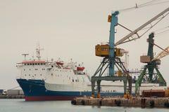 Schiff im Hafen Lizenzfreies Stockfoto