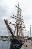 Schiff Kaskelot im Dock an Plymouth-Hafen, Vorwerk, Plymouth, Devon, Vereinigtes Königreich, am 20. August 2018 lizenzfreies stockbild