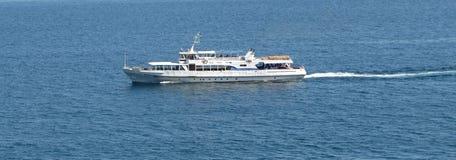 Schiff in Meer Lizenzfreies Stockbild