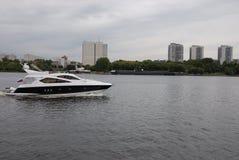 Schiff in Moskau lizenzfreies stockbild