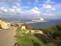 Schiff vom Ufer Stockbild