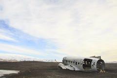 Schiffbruch einer Fläche: Notlandung in Island Stockbilder