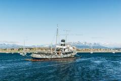 Schiffbruch Ushuaia-Hafen stockbild