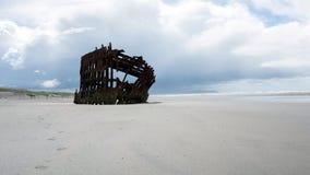 Schiffbruch von Peter Iredale lizenzfreie stockfotos