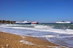 Schiffe in Artemis beherbergten, Attika, Griechenland Lizenzfreie Stockfotos