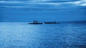 Schiffe auf dem Horizont stockbilder